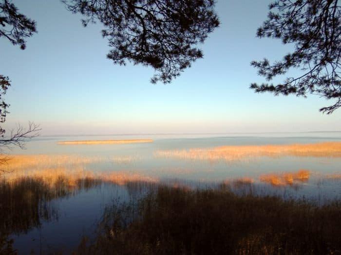 Водная гладь озера Нарочь